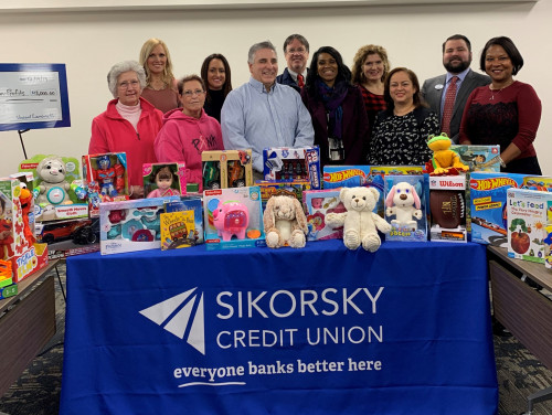 Sikorsky Credit Union Donates $18,000 During Holiday Season - Sikorsky Credit Union Donates $18,000 During Holiday Season